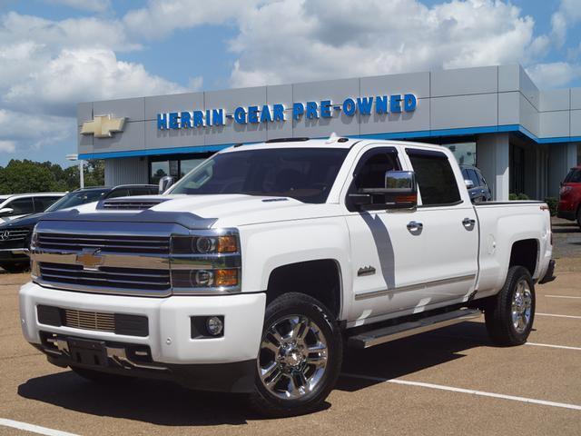 Pre Owned 2017 Chevrolet Silverado 2500hd 4wd Crew Cab 153 7 High Country