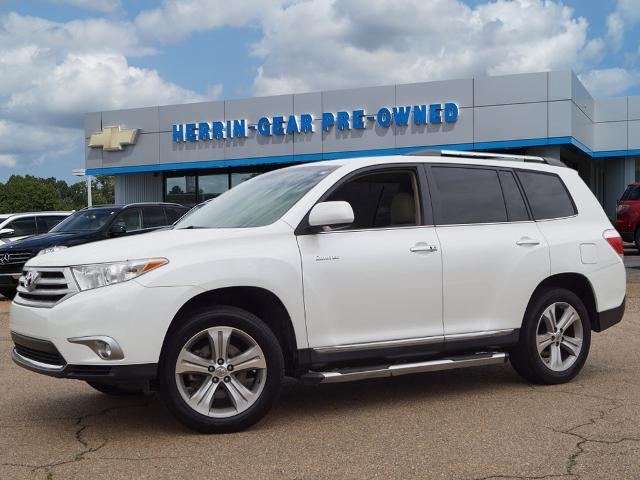 Pre-Owned 2013 Toyota Highlander FWD 4dr V6 Limited