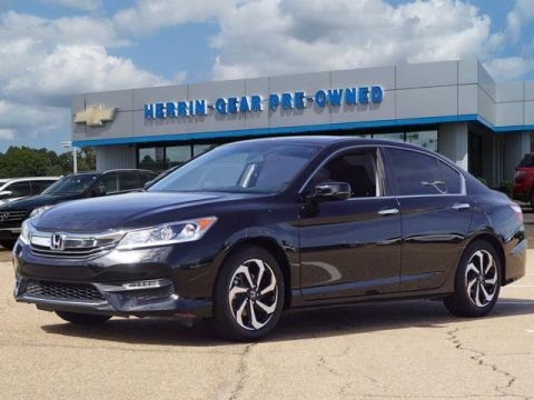 Pre-Owned 2017 Honda Accord EX CVT